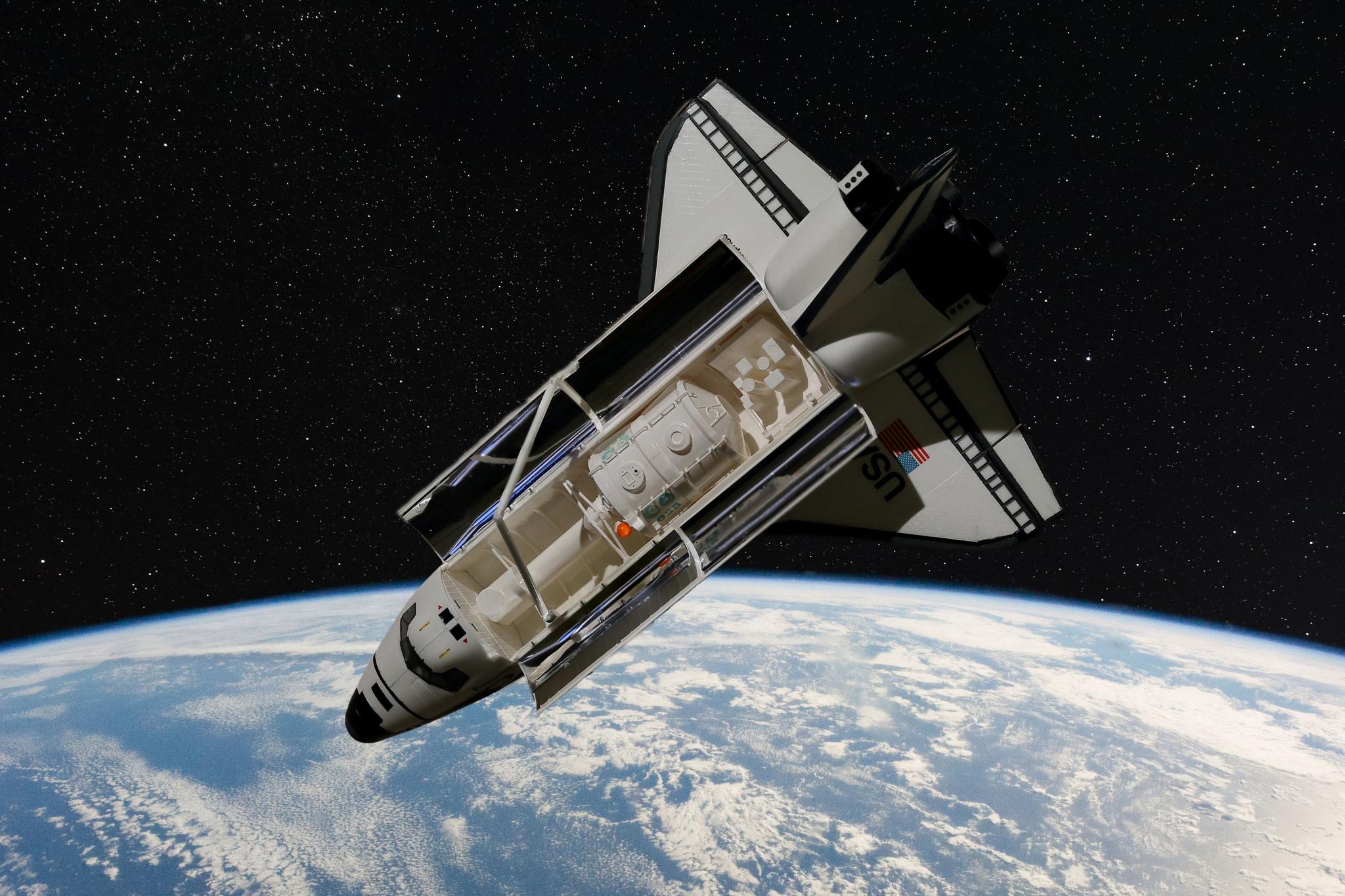 23. Shuttle in Space, D,O